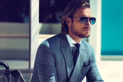 blog background of man in business suit in Ft. Lauderdale, Miami & West Palm Beach